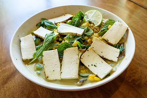 green curry bowl with tofu