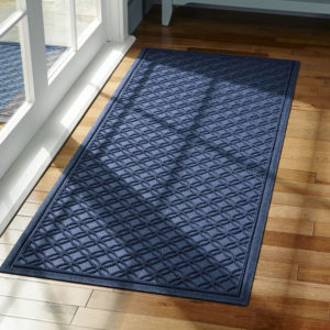 297387-L.L.Bean-Heavyweight-Recycled-Waterhog-Mat-Runner-Locked-Circles-moonlight-blue