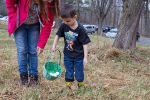 Hike & Seek: Egg Hunt @ Locust Grove Nature Center
