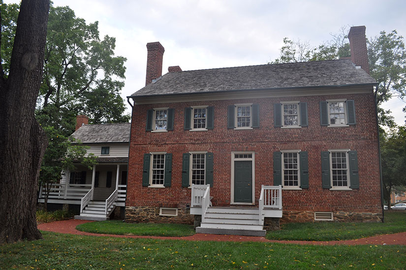 Capital one bank plans to vacate sell historic magruder for Best selling house plans 2015