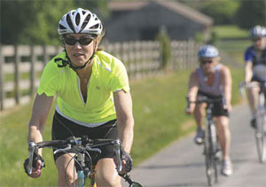 Dr. Pam Peeke, a nationally recognized nutrition and fitness expert, practices what she preaches as she bikes through Montgomery County.