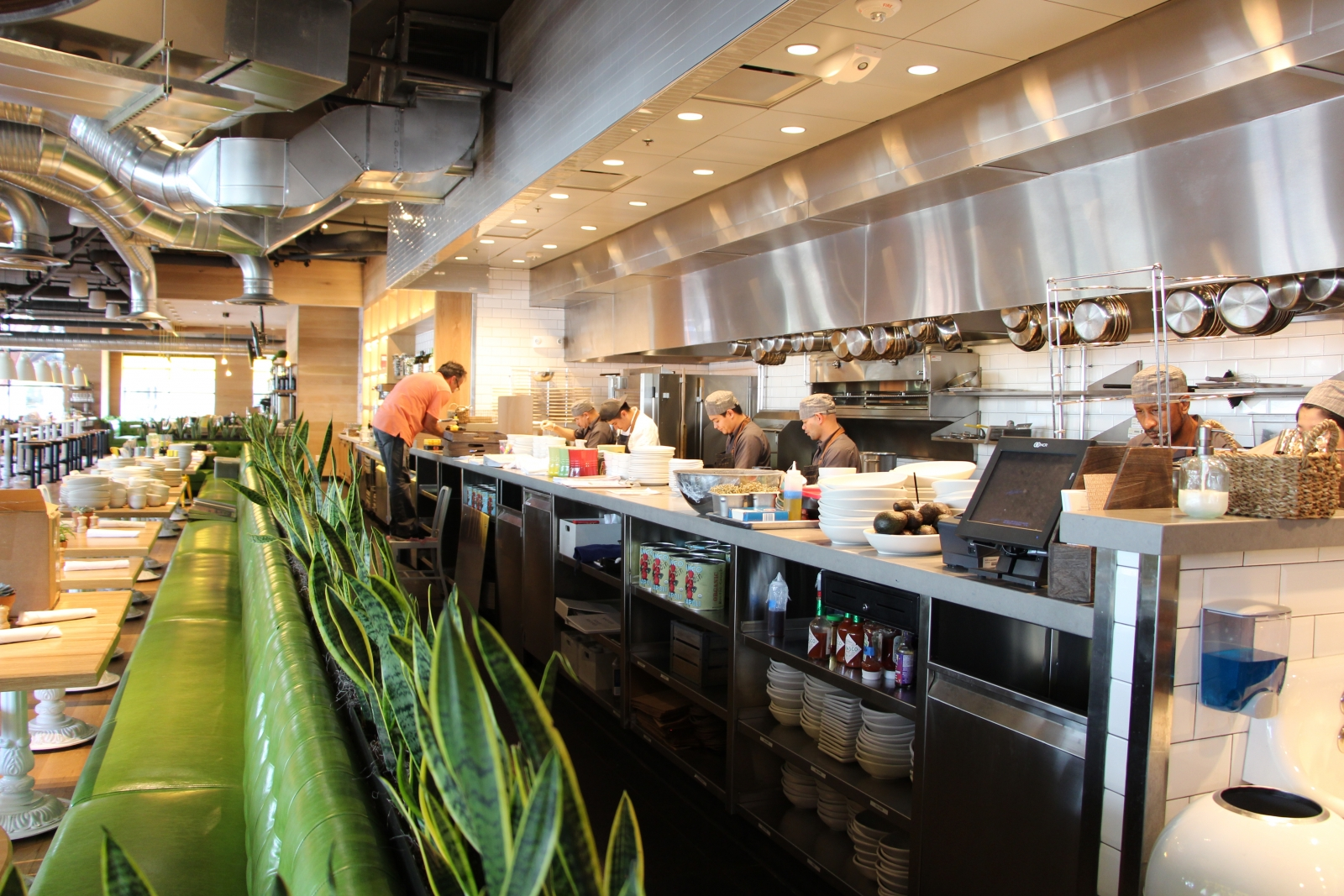 true food kitchen officially opened wednesday in the bottom floor of solaire bethesda on 7100 wisconsin ave in downtown bethesda - True Food Kitchen Bethesda